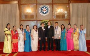 Metrobank Foundation Oustanding Teachers with President Aquino and Dr. Ty