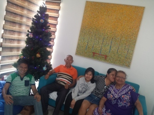Dad, Mom, and Pen with Tita Aida and Sachi